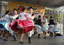 Dansaţi cu slovacii! Festivalul Folcloric Internaţional al Tineretului Slovac, la Valea Cerului
