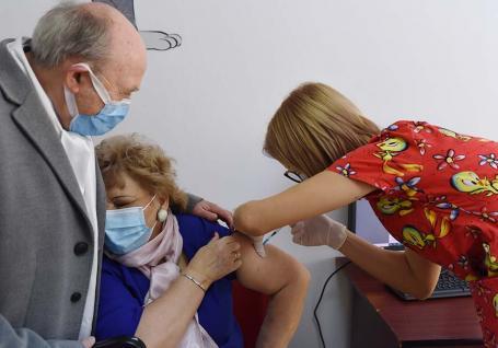 Hai vaccinare! BIHOREANUL vă prezintă cum a început şi ce urmează în procesul de vaccinare anti-Covid din judeţ