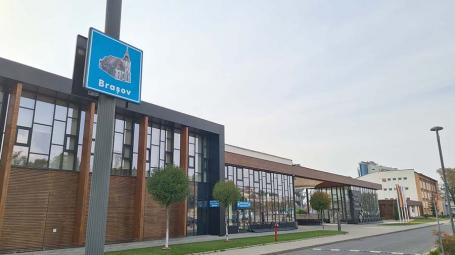 O parcare cât o ţară: În parcarea aquaparkului din Oradea au răsărit... mici județe (FOTO)
