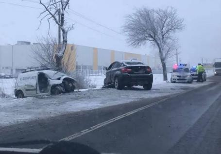 Polițiștii bihoreni, despre accidentul mortal de pe DN 79: Şoferul din BMW X6 a pierdut controlul maşinii. Mașina avea cauciucuri de vară