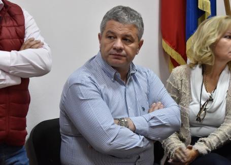 Cu întârziere: Universitatea de Vest Timişoara a cerut judecătorilor să anuleze diploma de doctor obţinută fraudulos de Florian Bodog