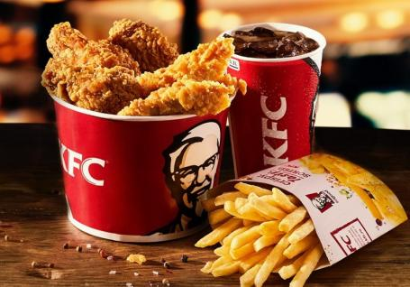Reacţia KFC în scandalul cărnii cu viermi de la localul din Oradea