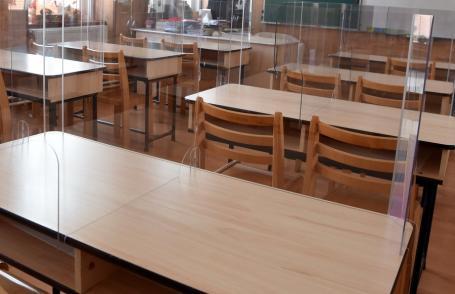 Creşte numărul de cazuri Covid-19 depistate printre elevii şi profesorii din Bihor. 52 de şcoli din judeţ, în scenariul galben