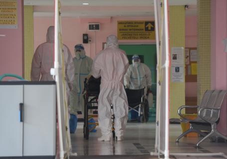 Bihorul a depăşit 5.500 de cazuri Covid. În ultimele 24 de ore, încă 102 noi îmbolnăviri. În ţară, nou record de ocupare a paturilor ATI