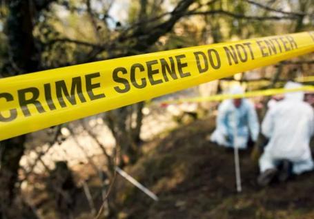 Crimă la Borumlaca: Un bihorean şi-a ucis fiul şi, apoi, a cerut judecătorului care îl aresta să-l lase la înmormântare