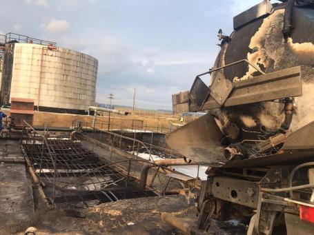 Incendiu uriaș la un depozit de țiței din Bihor! (FOTO)