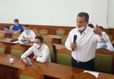 Scandal în Consiliul Local Oradea. Campionul Ion Marin şi-a reînnoit degeaba oferta de a dona teren pentru un stadion cu 25.000 de locuri (VIDEO)