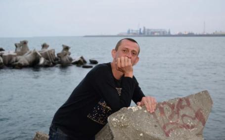 Un fost jurnalist născut în Oradea s-a aruncat în fața trenului. Sinuciderea, anunțată pe Facebook. Ce scria în biletul de adio (VIDEO)