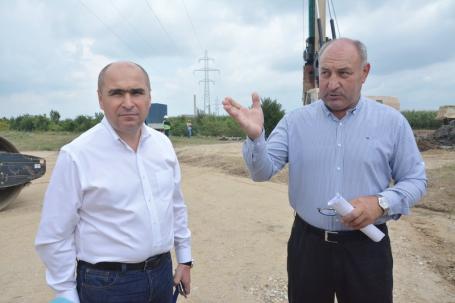 Mai repede! Drumul de Sântandrei peste câmpuri ar putea fi dat în folosinţă în luna noiembrie (FOTO)
