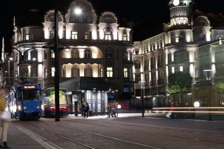 Scandal în staţia de tramvai din Piaţa Unirii: Trei adolescenţi de la un centru de plasament din Oradea s-au ales cu dosar penal
