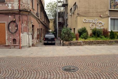 Expropriere la Micula! Strada Vasile Alecsandri se va lega de Independenţei printr-o străpungere prin fosta fabrică Oradinum (FOTO)